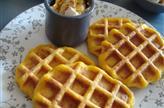 Gaufres salées à la butternut + fromage frais à tartiner