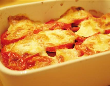 Gratin de courgette, tomate et burrata