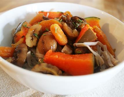 Pâtes Soba potiron, abricots secs, marrons