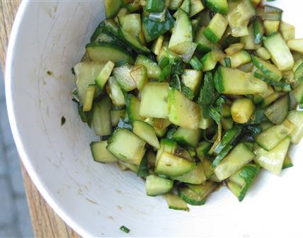 Salade de concombre au soja
