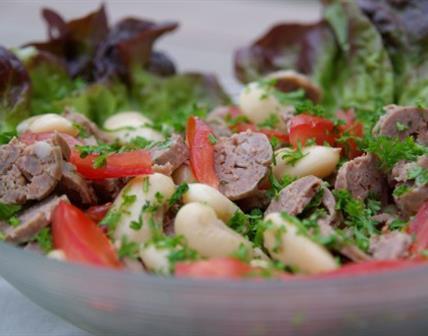 Salade de haricots blancs à la saucisse